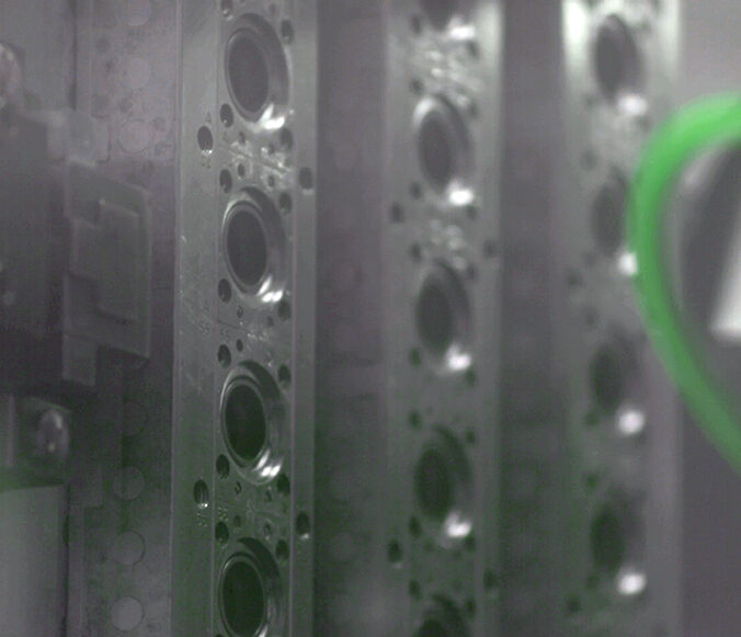 injection-moulding-03